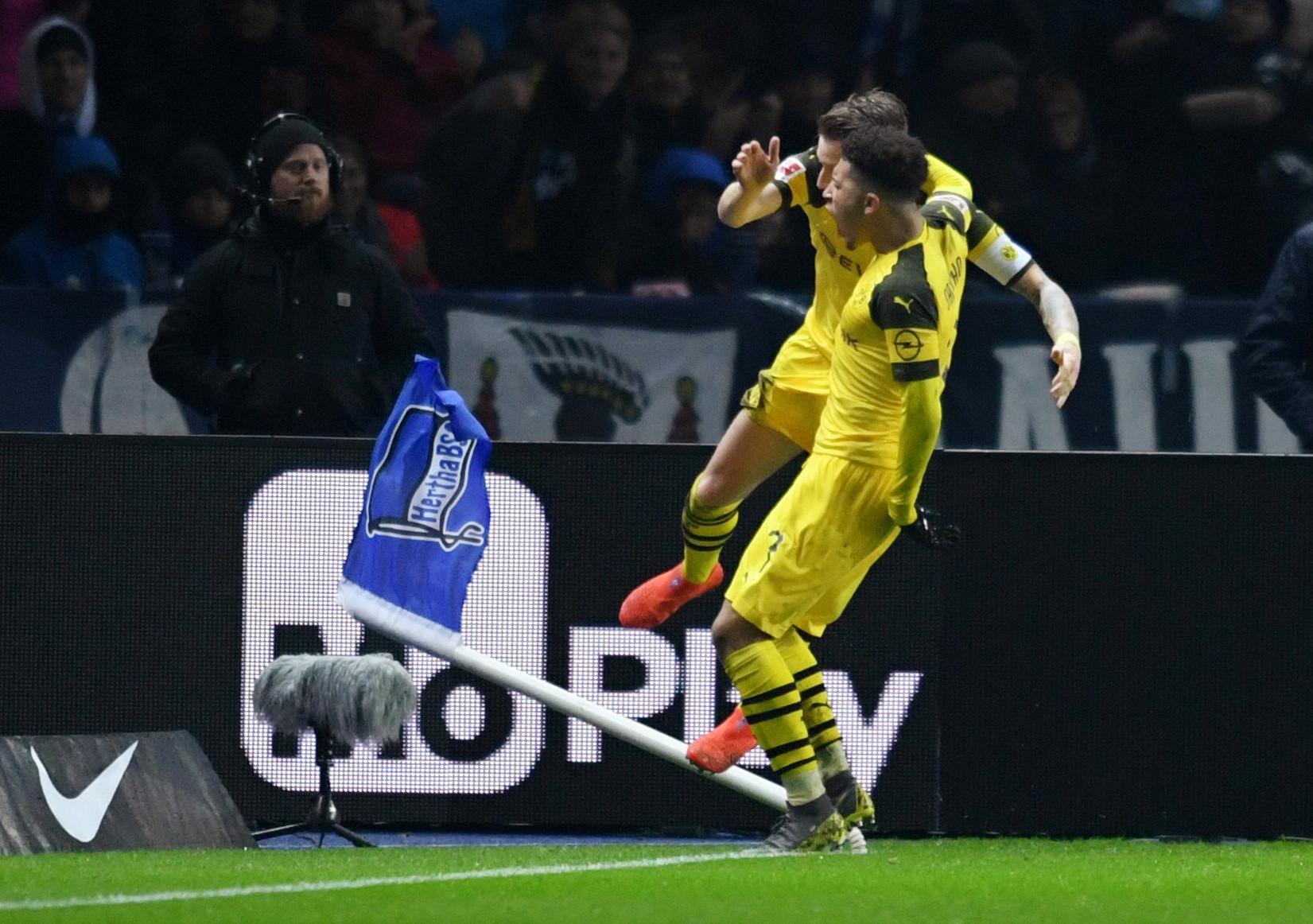 Borussia Dortmund assume liderança provisória da liga alemã