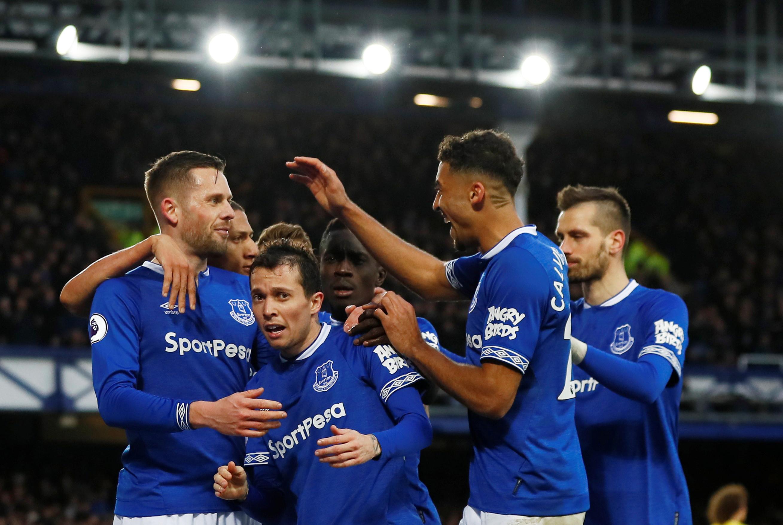 Chelsea revive 'pesadelo português' e cai com estrondo frente ao Everton