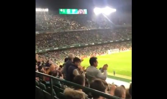 Imperdível: Messi assina hat-trick e adeptos do Betis aplaudem-no de pé