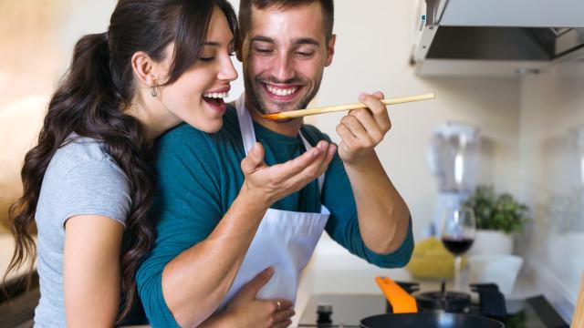 Seis erros na cozinha que colocam em risco a sua saúde