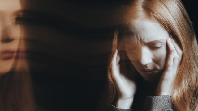 Esquizofrenia: Os 13 sinais de alarme que jamais pode ignorar