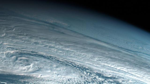 NASA deteta explosão de meteoro na atmosfera da Terra