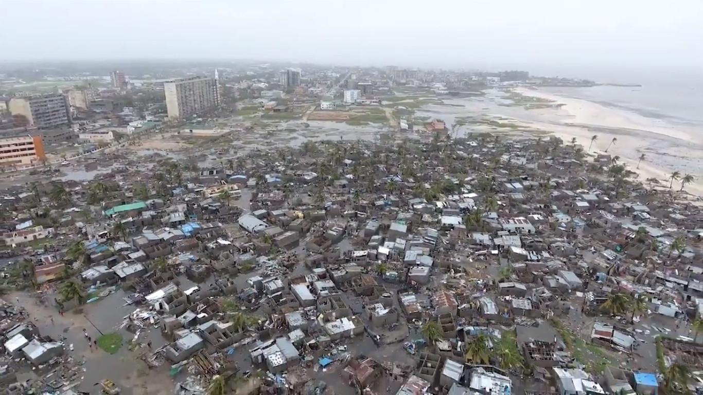Ciclone Idai: Há pessoas à espera de salvamento em cima de telhados