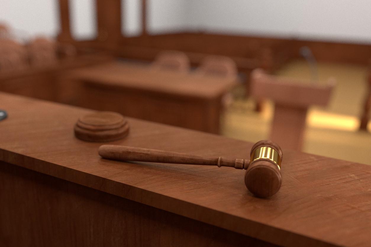 Três homens condenados a prisão por rapto e violação de jovem