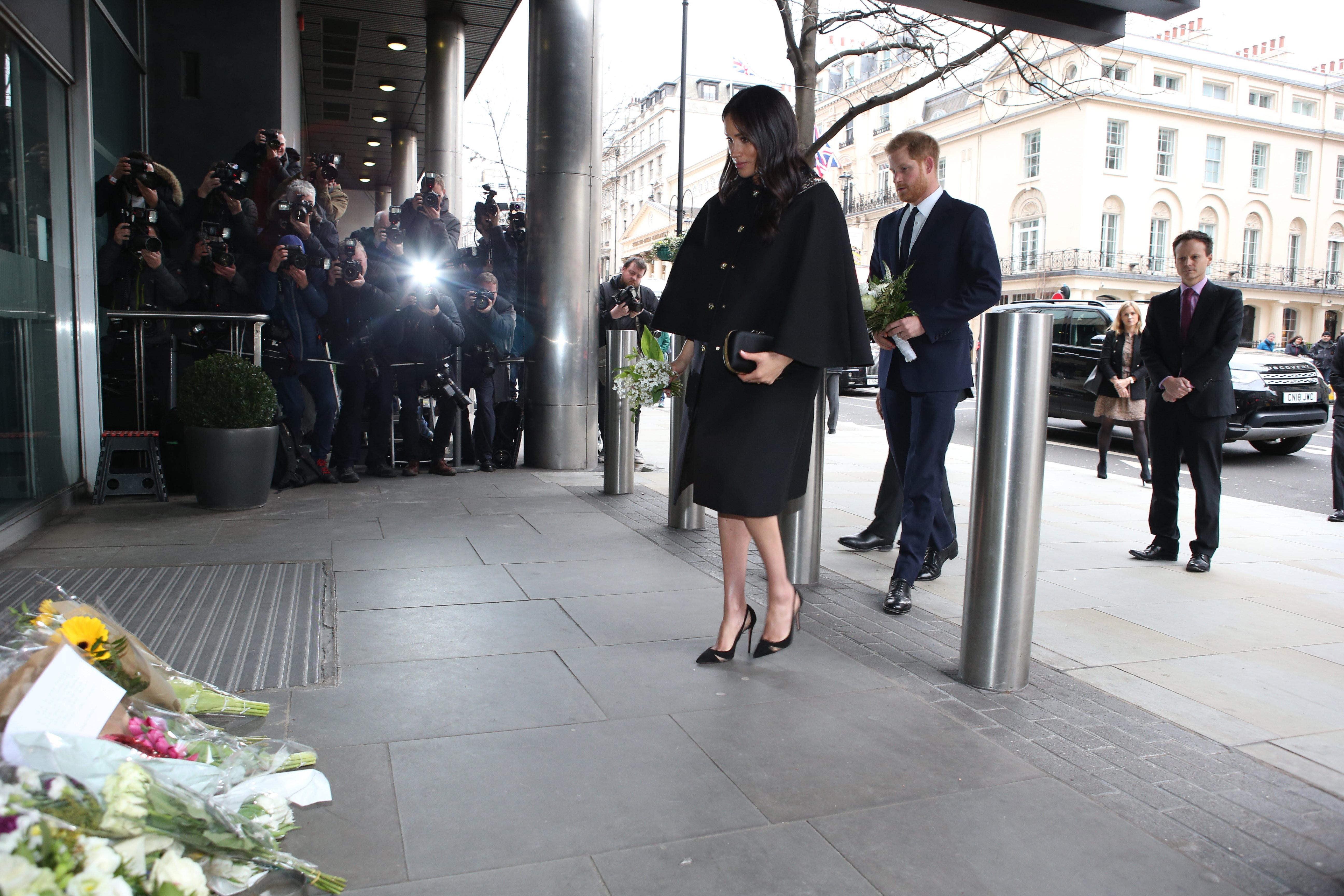 Meghan Markle e Harry homenageiam vítimas de ataque na Nova Zelândia