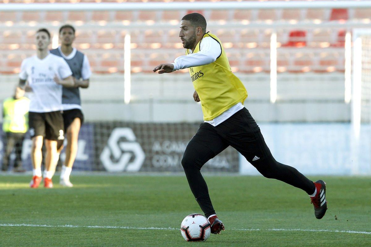 Taarabt, jovens promessas e muito mais no treino do Benfica