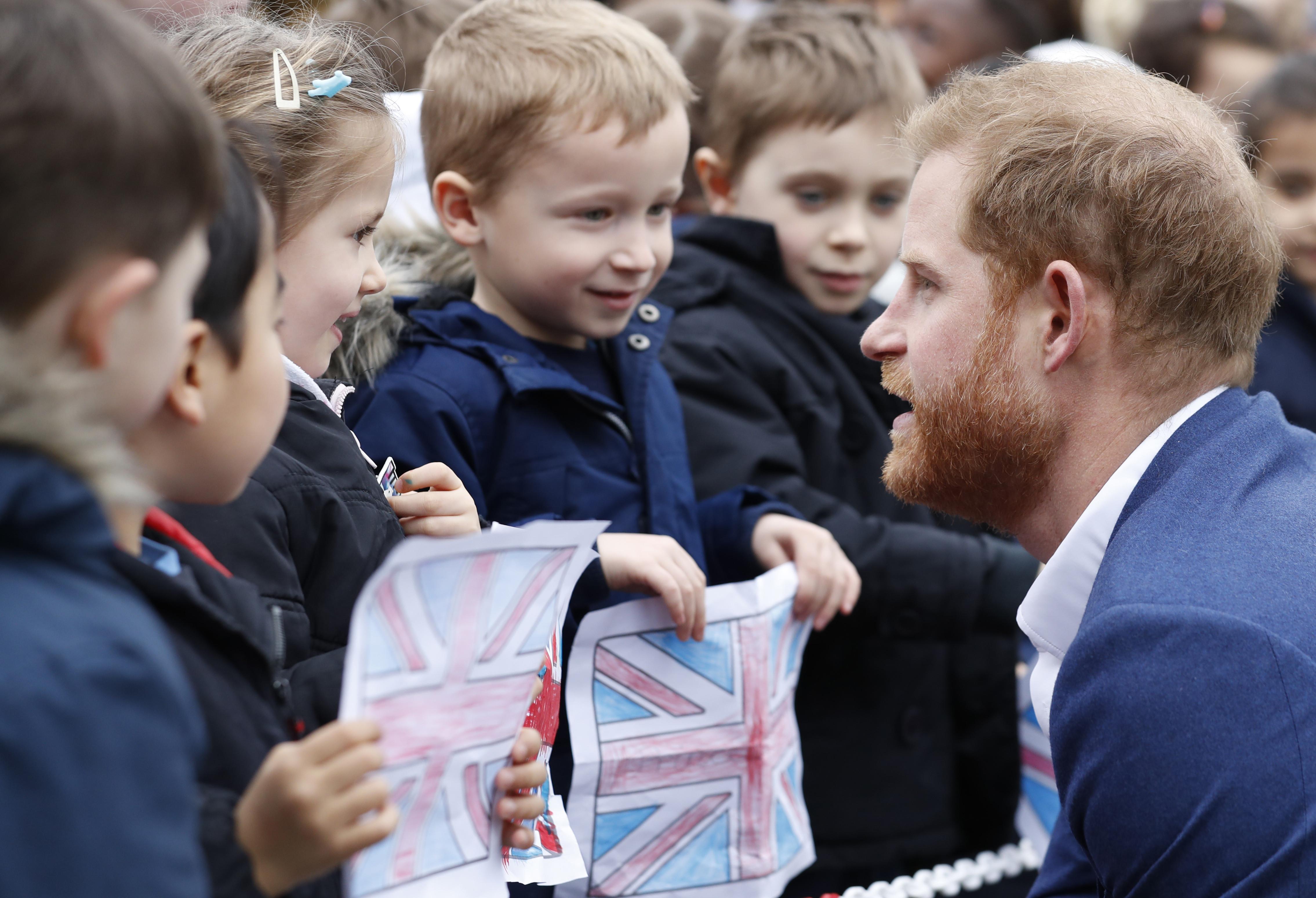 A reação de Harry a menino que não acreditou que ele era um príncipe