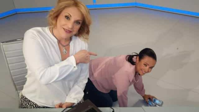 TV: Alberta Marques Fernandes 'escondida' ao pé de Dina Aguiar