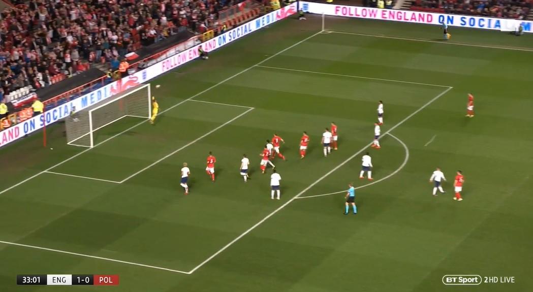 Szymański marca golo soberbo no duelo de sub21 entre Inglaterra e Polónia