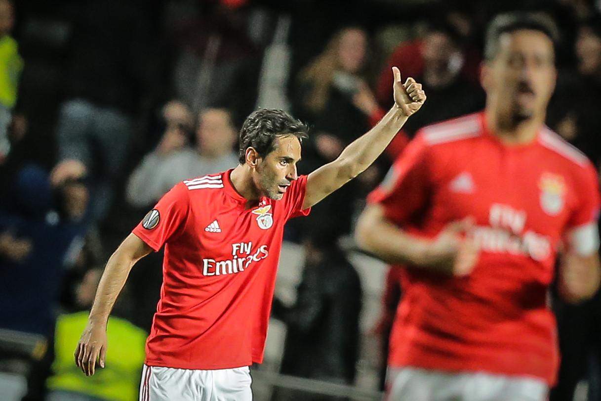 """Jonas em lágrimas: """"O Benfica estendeu-me a mão"""""""