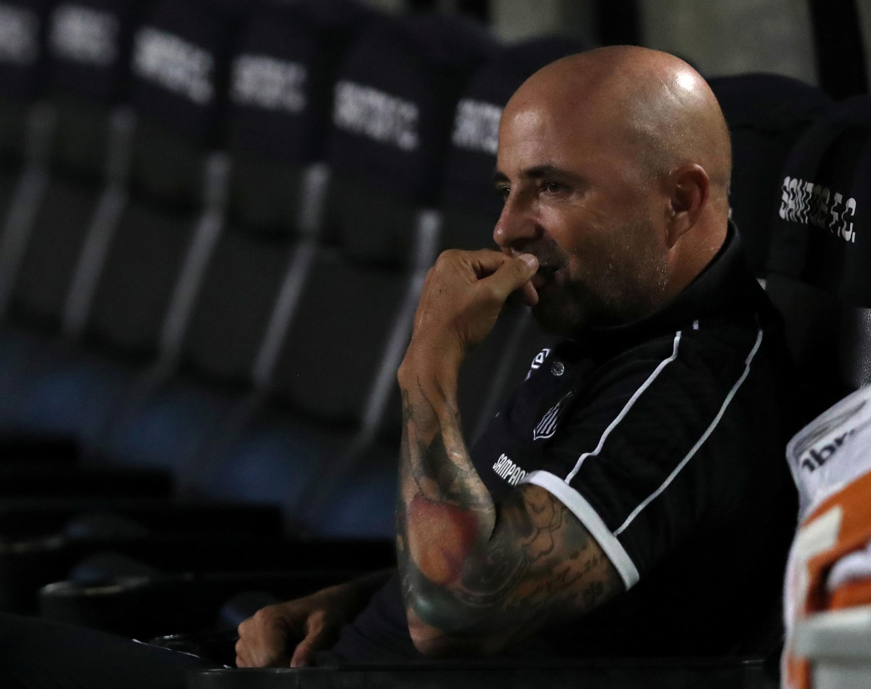 Sampaoli devolve ordenado para plantel do Santos poder receber