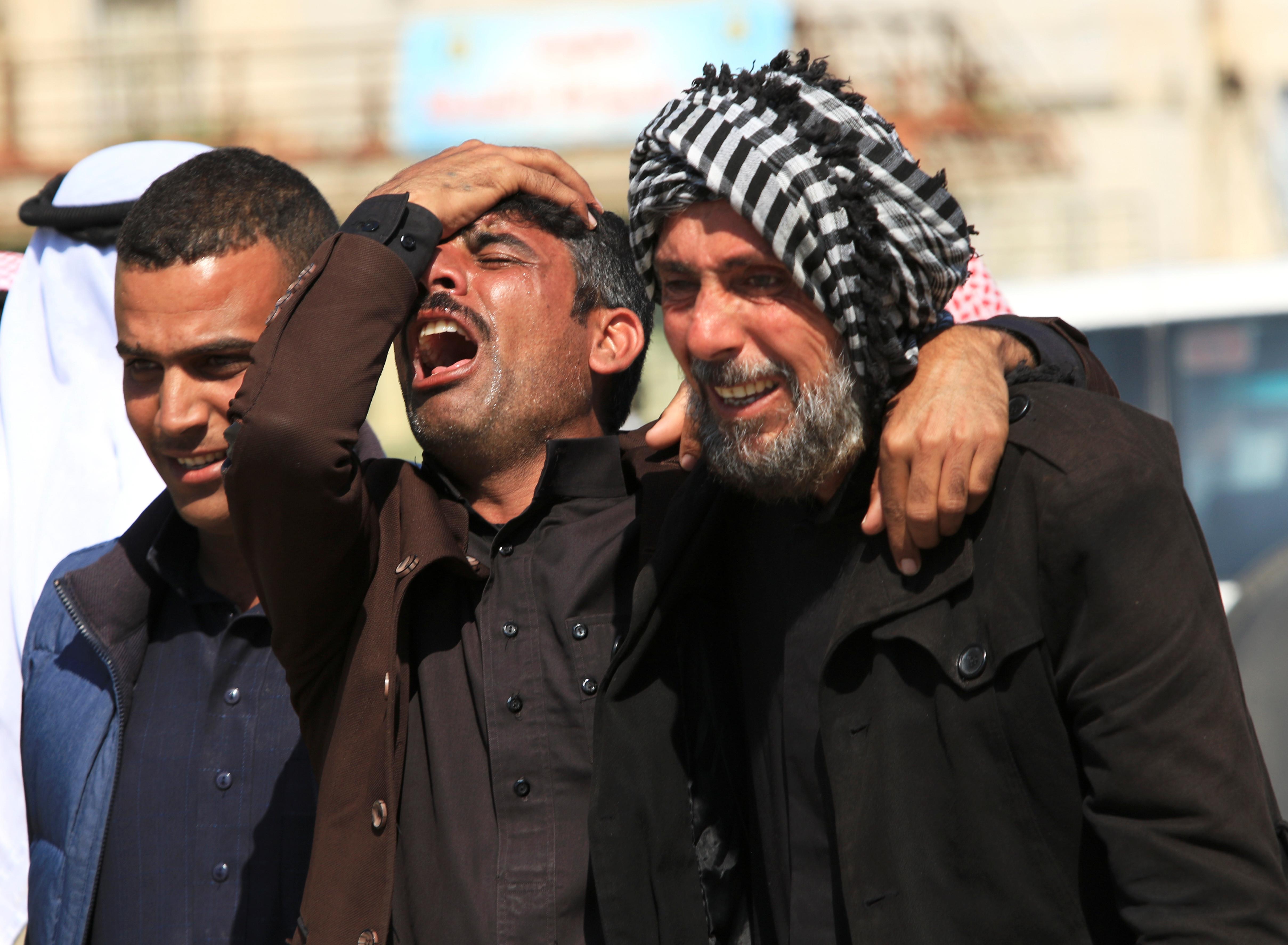 Aumenta para 100 o número de mortos em naufrágio em Mossul
