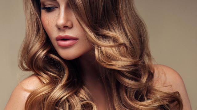 Dê volume. Quatro alimentos que fazem o cabelo crescer mais depressa