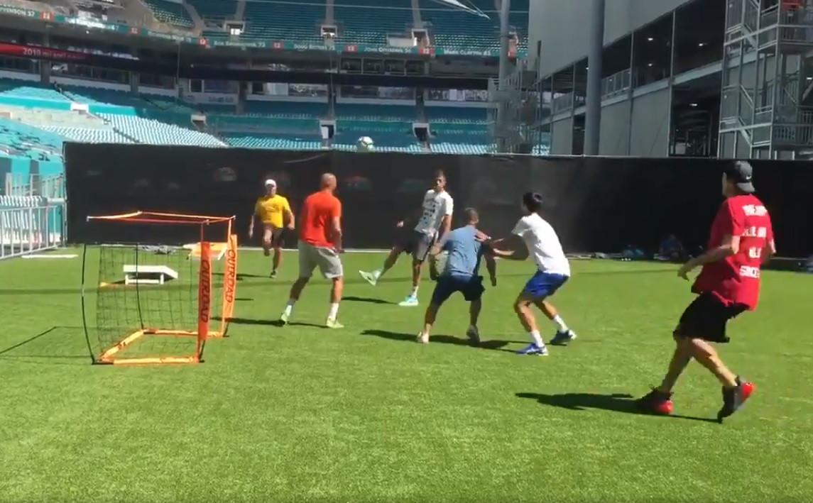 """Djokovic 'pica' Ronaldo: """"Quando é que o Cristiano aqui chegou?"""""""