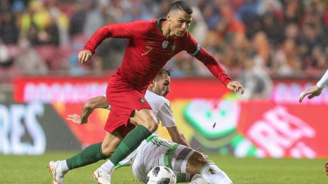 Em direto: Ronaldo regressa ao onze de Portugal