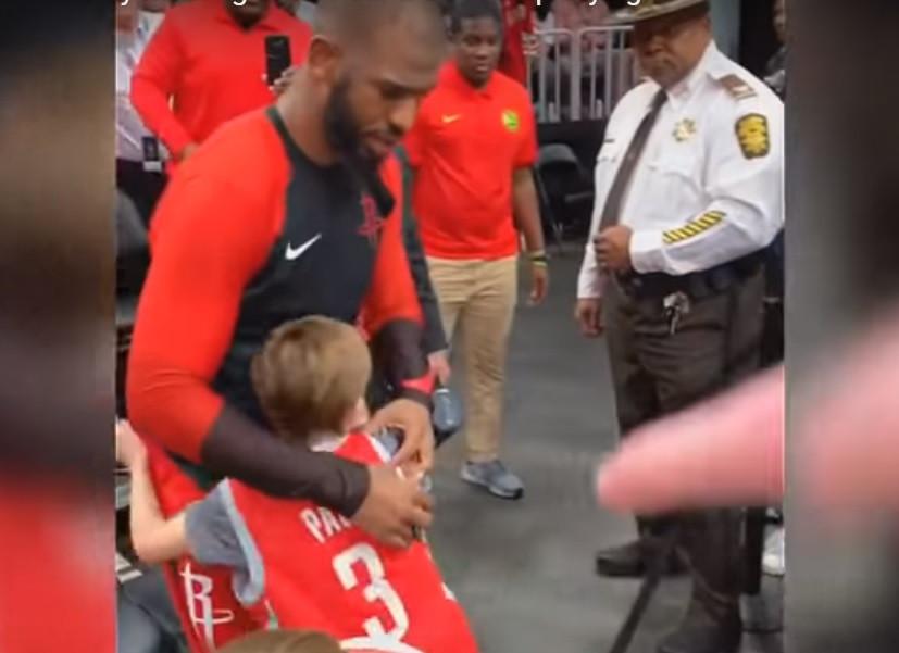 Chris Paul teve gesto tocante e deixou criança lavada em lágrimas