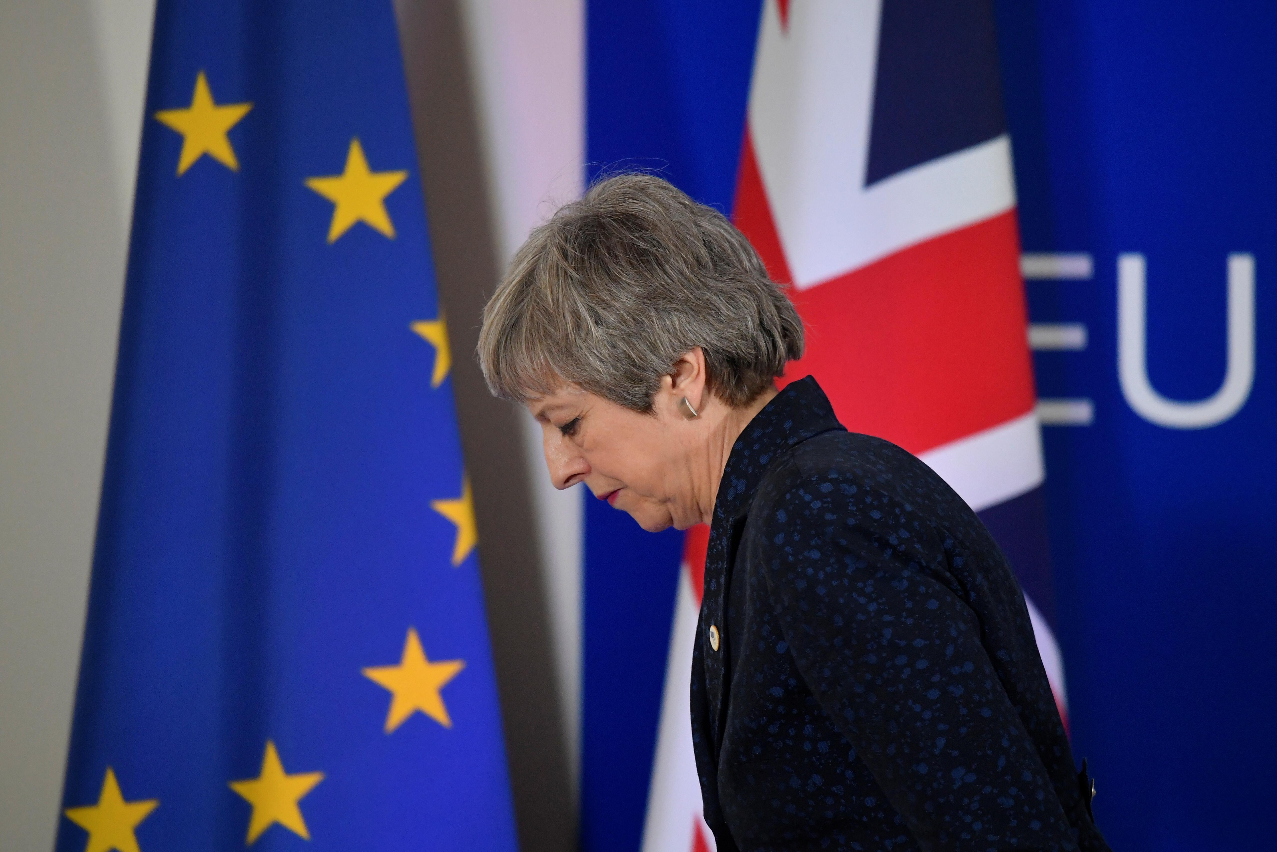 May conclui que continua sem apoio para aprovar acordo de Brexit