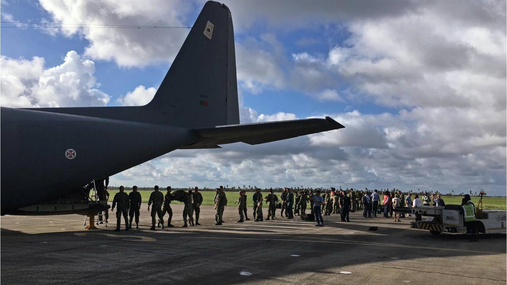 As imagens da chegada dos primeiros militares portugueses a Moçambique