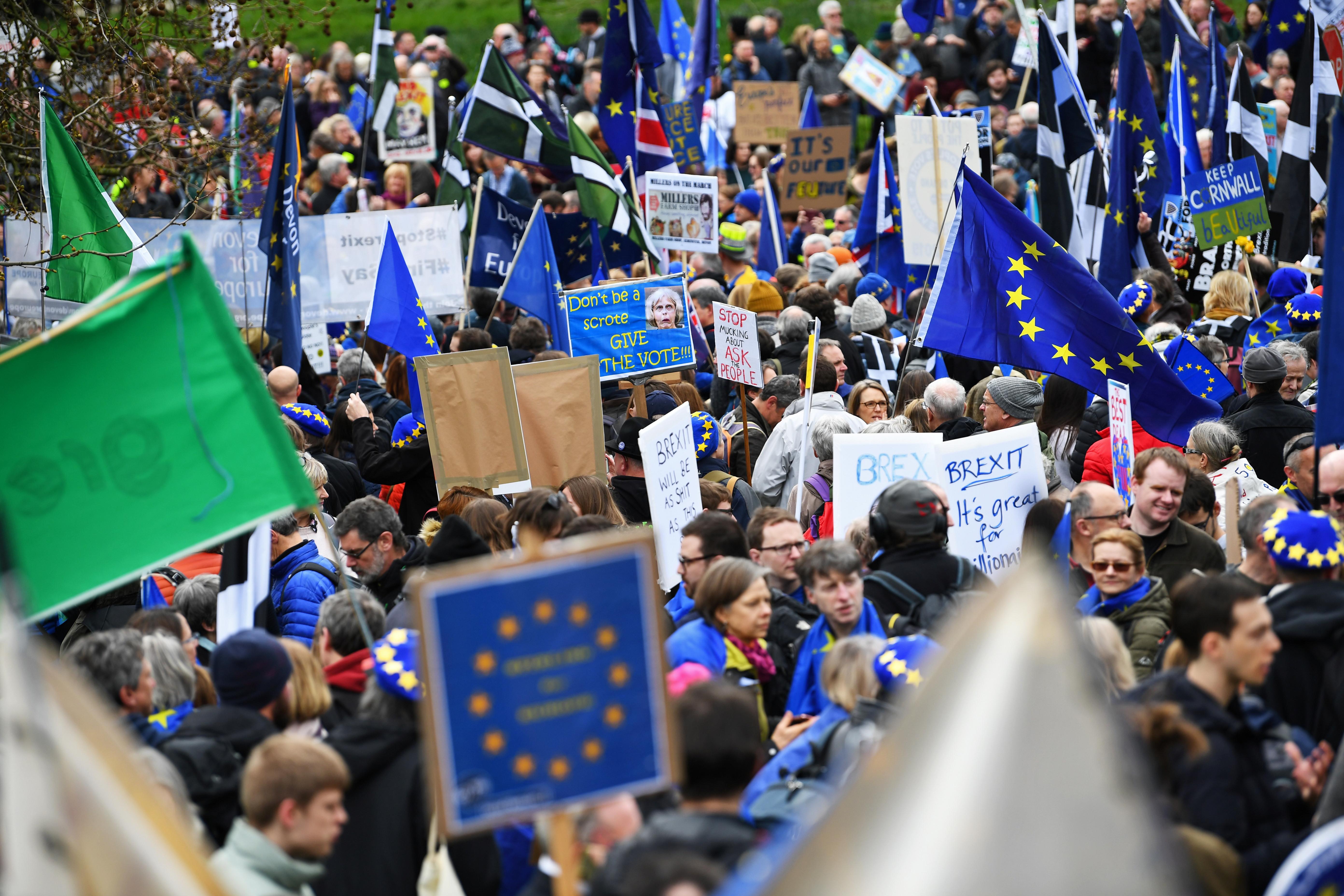 Mais de um milhão de pessoas marcham contra o Brexit em Londres