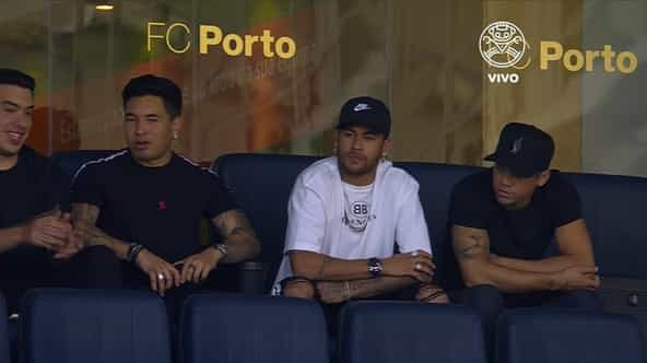 Neymar está no Dragão a assistir ao Brasil-Panamá