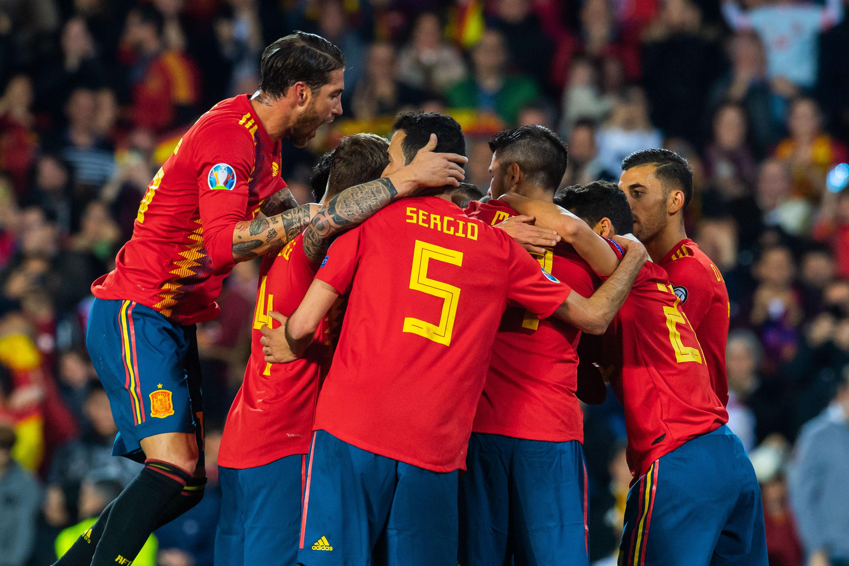 Espanha entrou a vencer, mas não se livrou de um susto