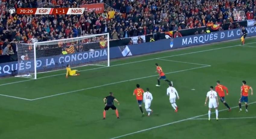 Sergio Ramos 'sacou' deste Panenka para garantir triunfo espanhol