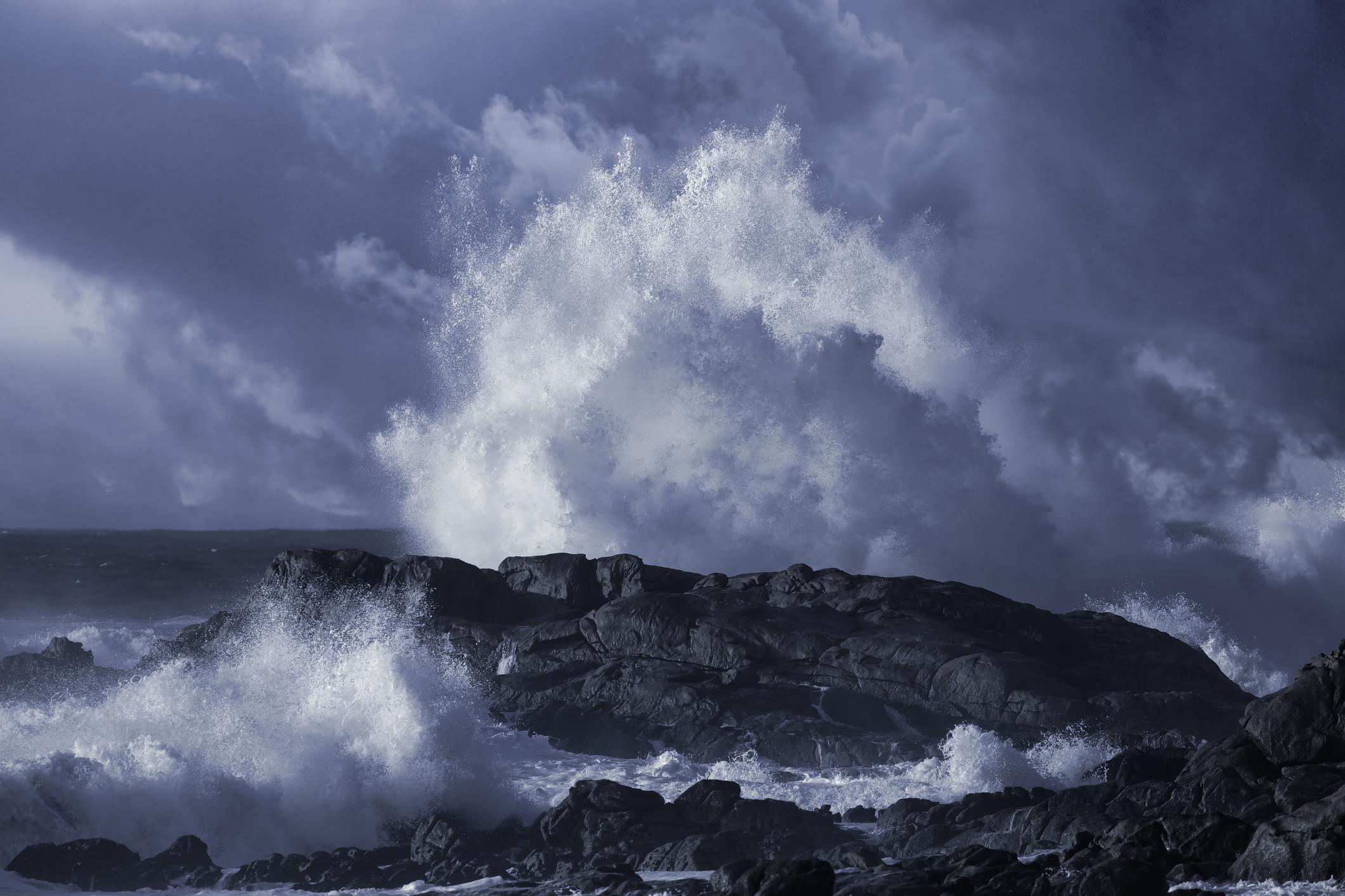 Segundo navio está a ser socorrido ao largo da costa da Noruega