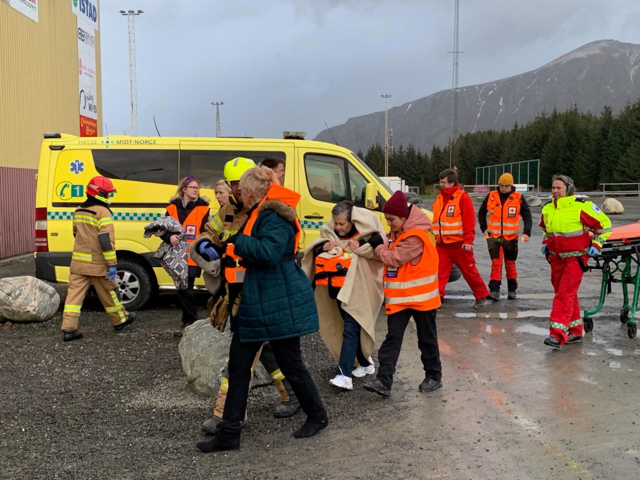 Mais de 450 passageiros foram retirados de cruzeiro ancorado na Noruega