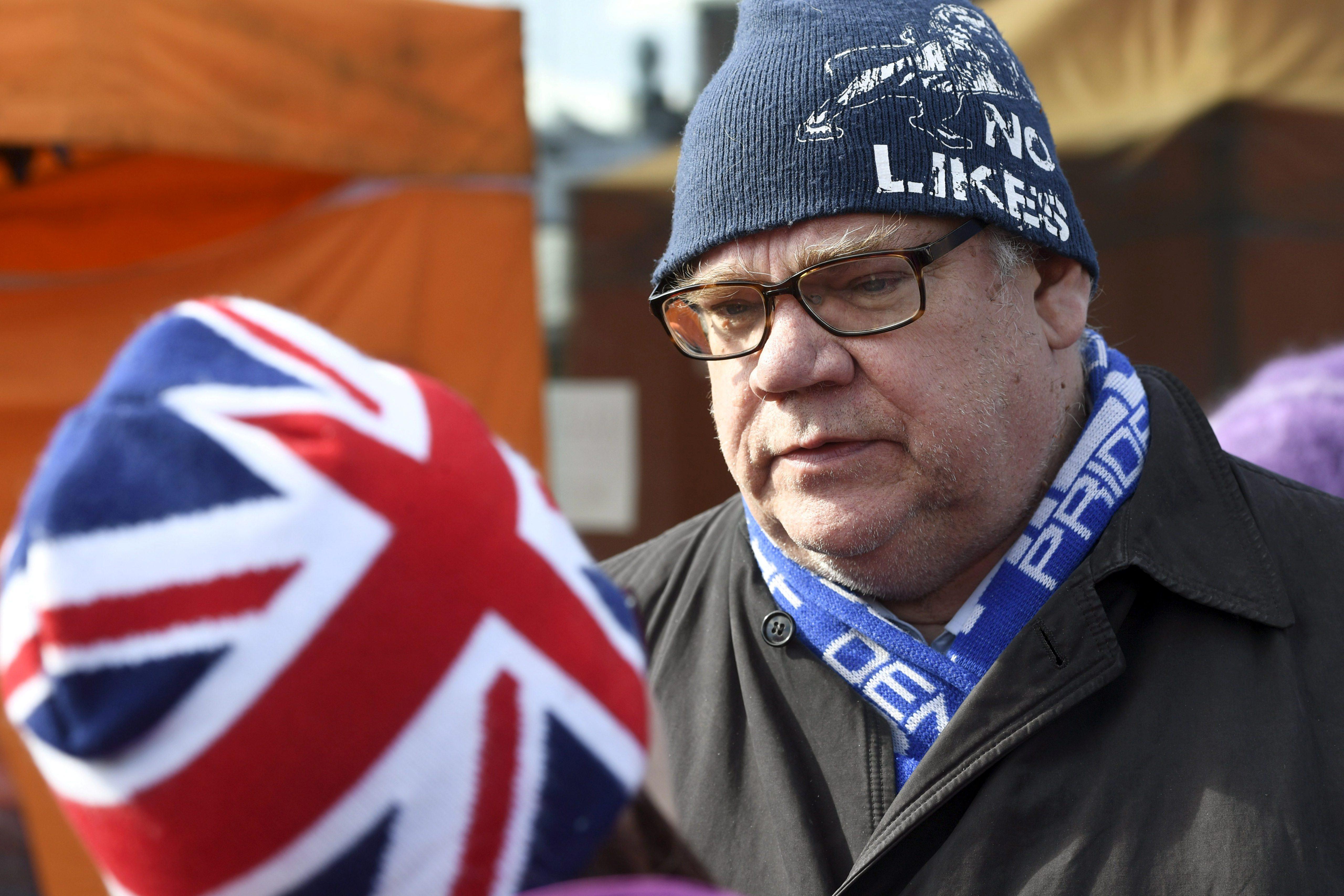 MNE finlandês sai ileso de tentativa de agressão durante campanha