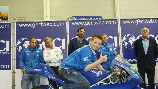 Piloto de 14 anos morre em prova de motociclismo em Espanha