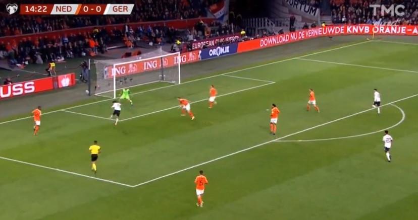 Sané abriu o marcador do Holanda-Alemanha com este remate imparável