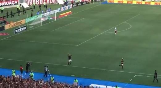 Adeptos do Flamengo rendidos a Gabigol após nova vitória
