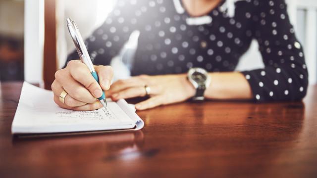 Tome nota: Cinco coisas que deve saber para começar o seu dia