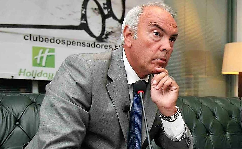 """Decreto dos professores """"à boa moda socialista: dar, mas a conta-gotas"""""""
