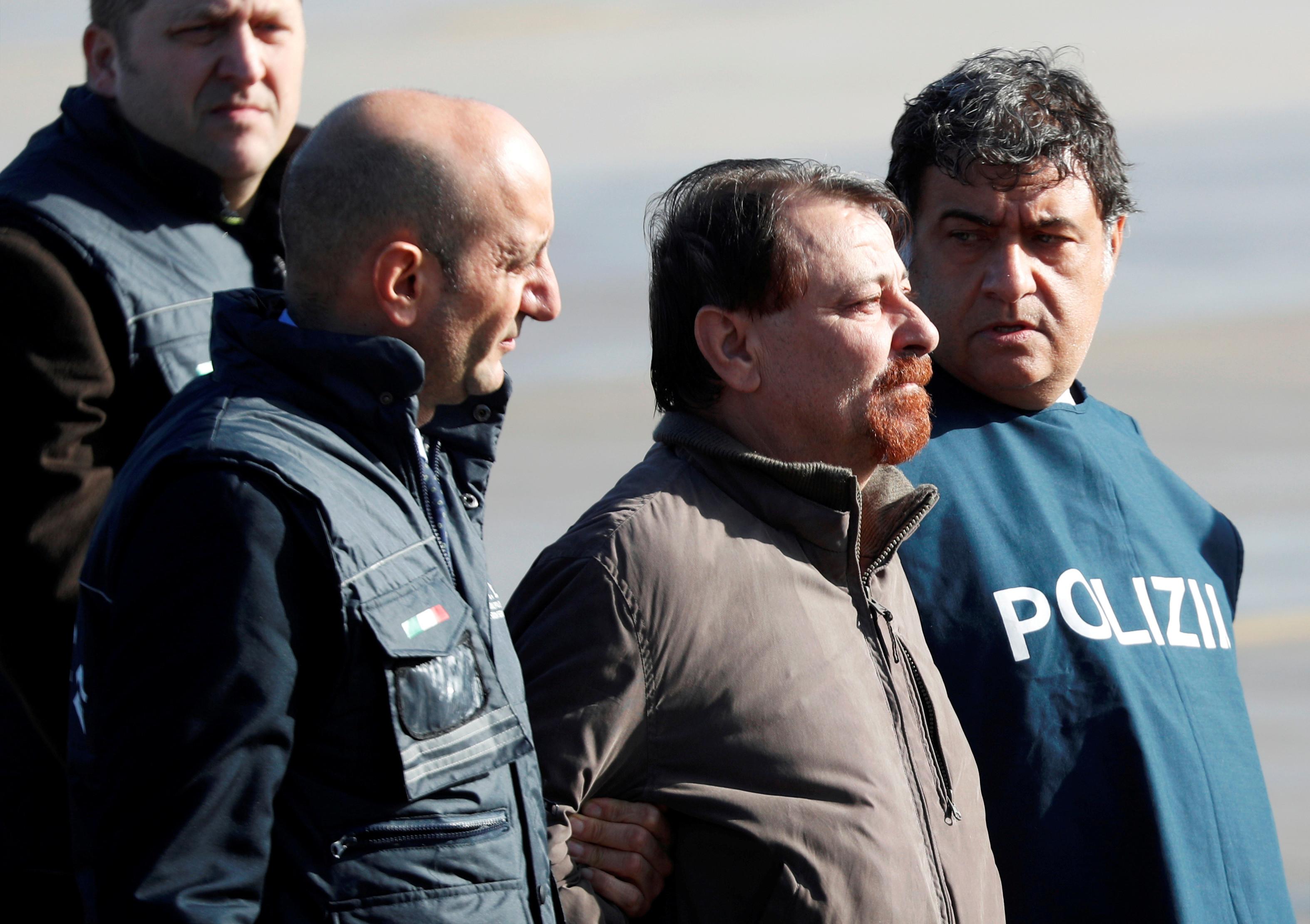 Mais de 40 anos depois, Cesare Battisti assume quatro homicídios