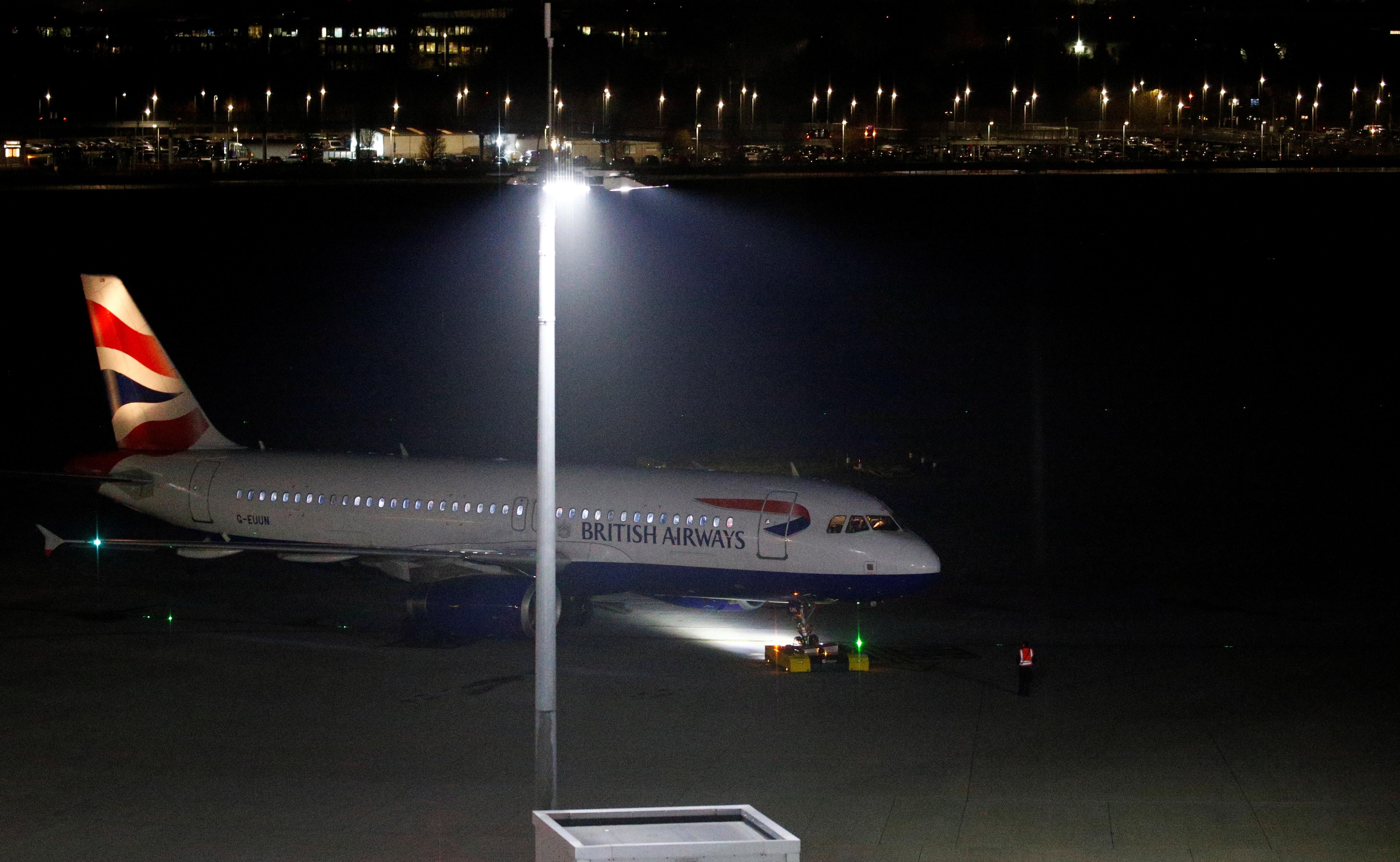 Avião com destino à Alemanha aterra por engano... na Escócia