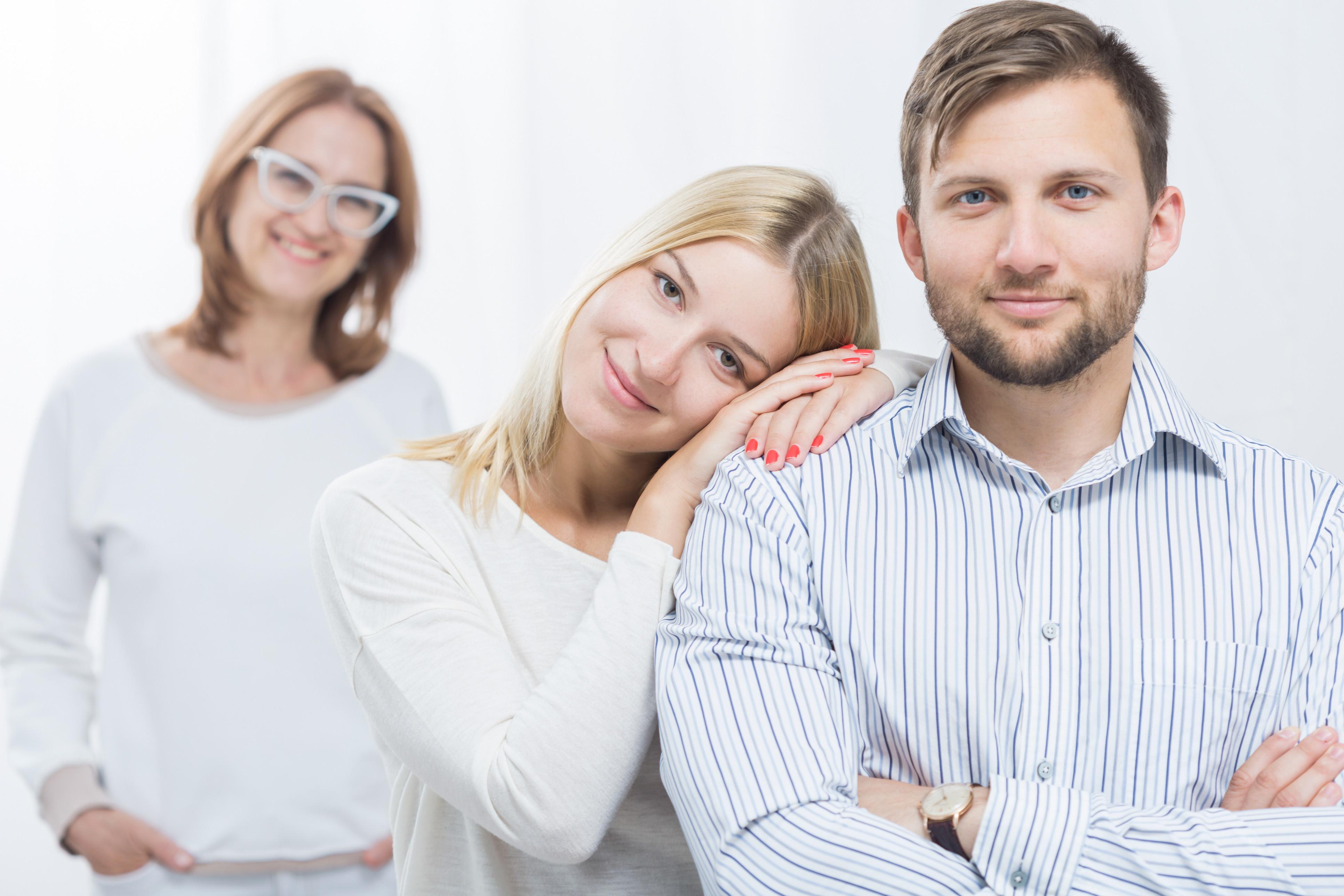Quem quer casar com o meu filho? Homens preferem mulheres iguais às mães