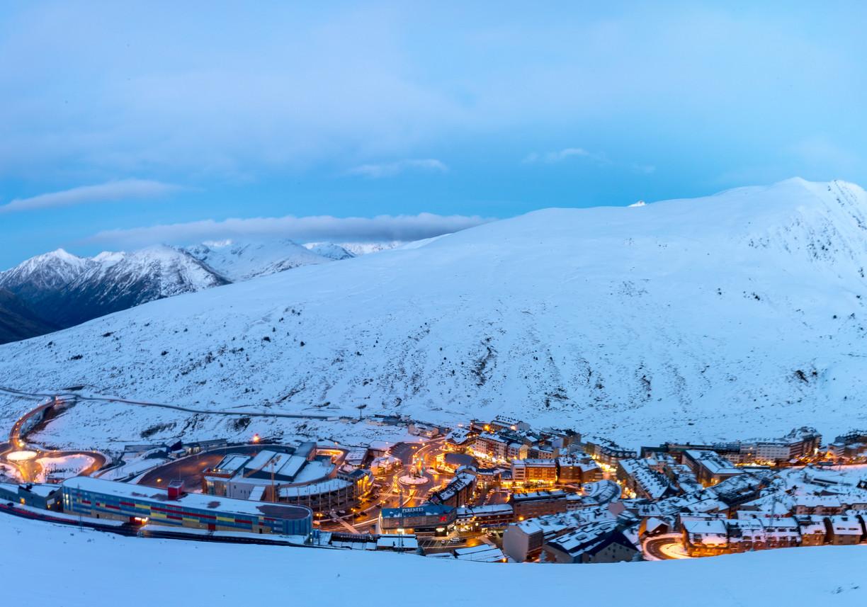 Turista britânico morre a fazer snowboard em Andorra