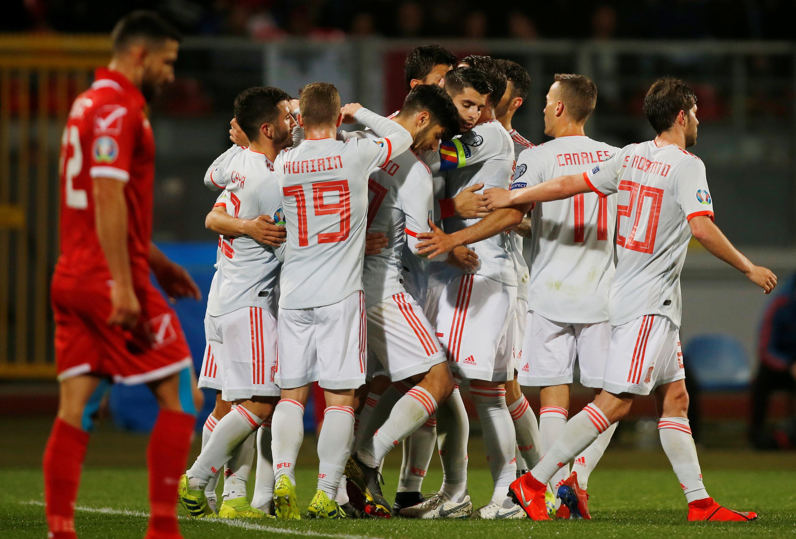 Espanha vence em Malta. Itália 'humilha' Liechtenstein