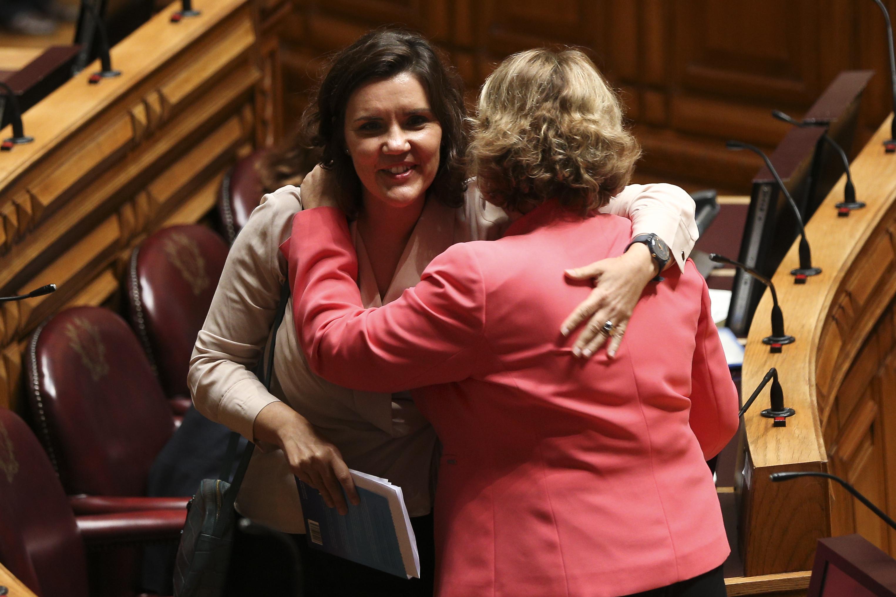 """CDS acusa Governo fazer """"favor à Esquerda"""" na Lei de Bases da Saúde"""