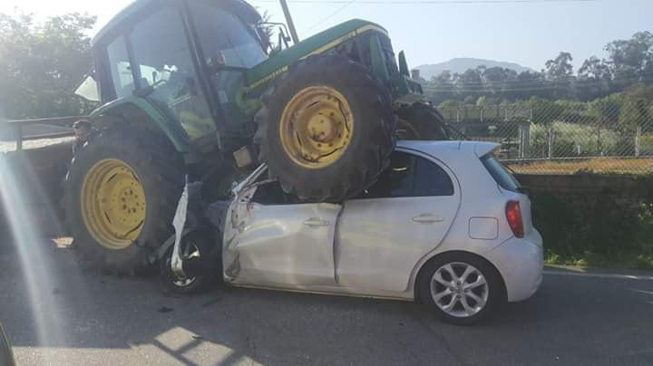 Trator abalroa carro em Ponte de Lima e faz três feridos