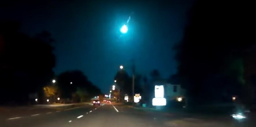 Luz caiu do céu. A noite que foi iluminada por um meteorito