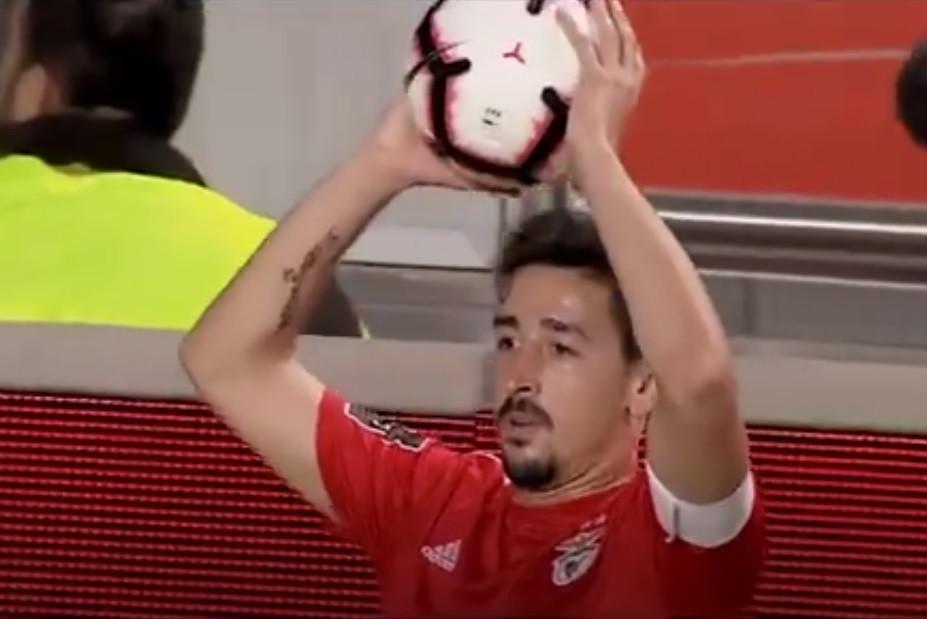 """""""Alguém reparou?"""". O pormenor que pode não ter visto no Benfica-Tondela"""