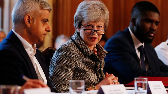 Parlamento britânico rejeita as quatro alternativas a acordo de May