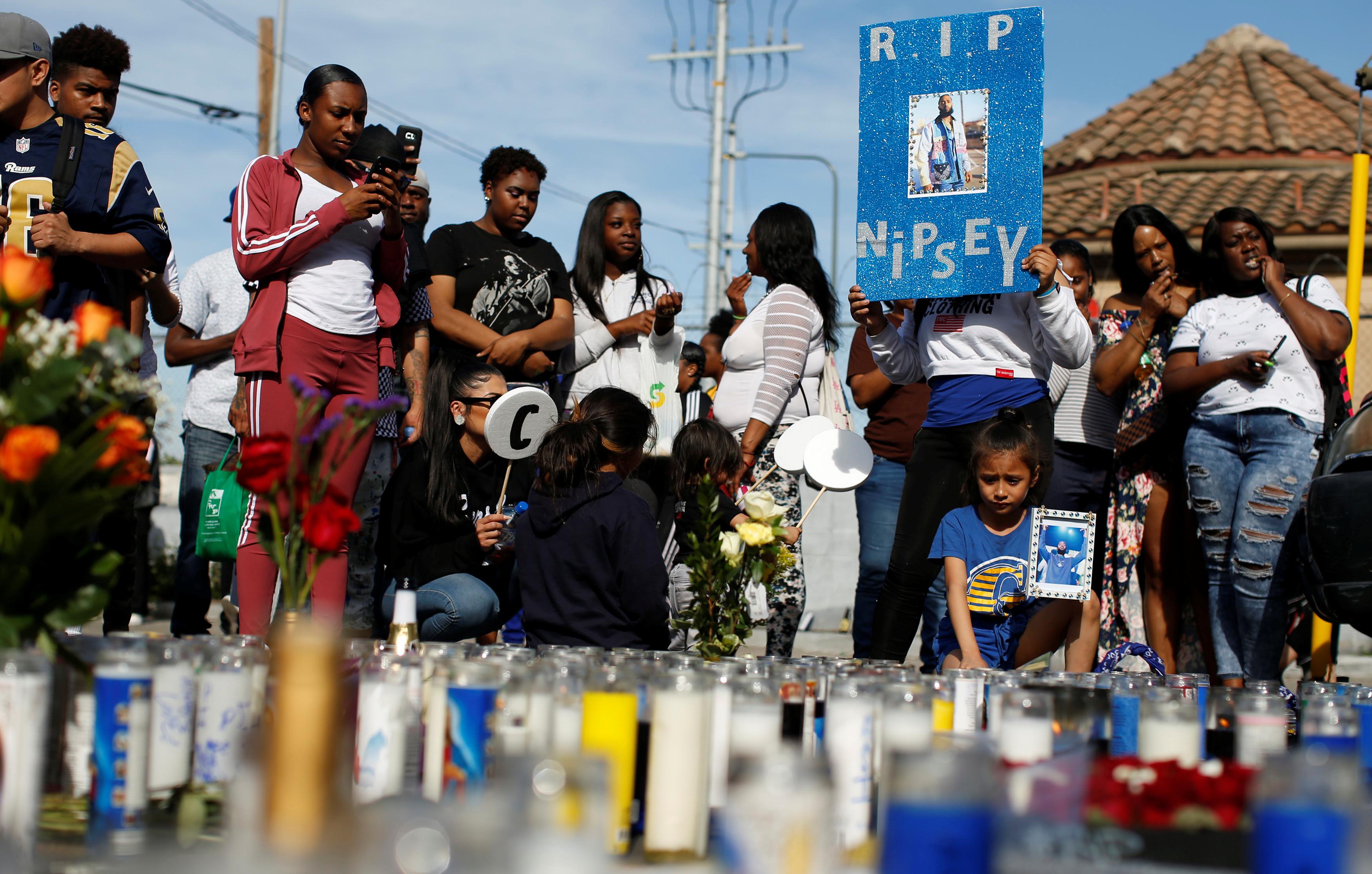 Polícia já tem suspeito da morte de rapper Nipsey Hussle e pede ajuda