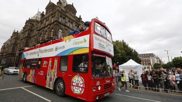 Menina de 12 anos abusada sexualmente em segundo andar de autocarro