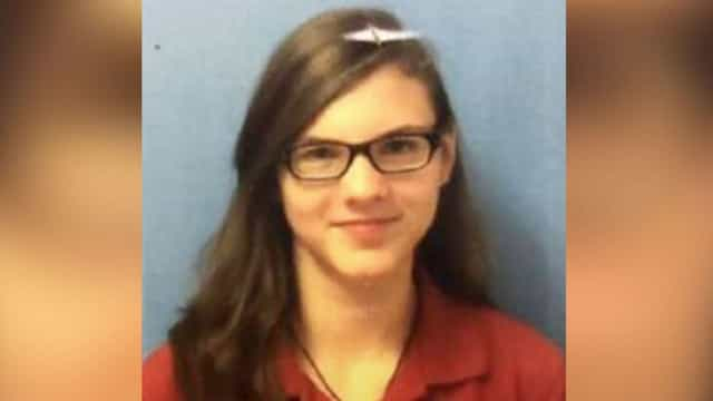 Jovem de 15 anos está desaparecida. Terá fugido com homem mais velho