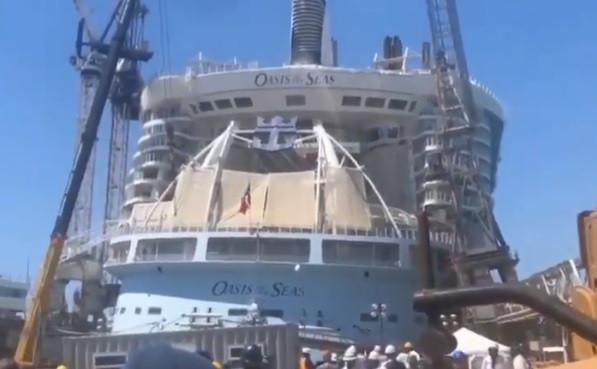 Grua caiu em cima de um dos maiores cruzeiros do mundo
