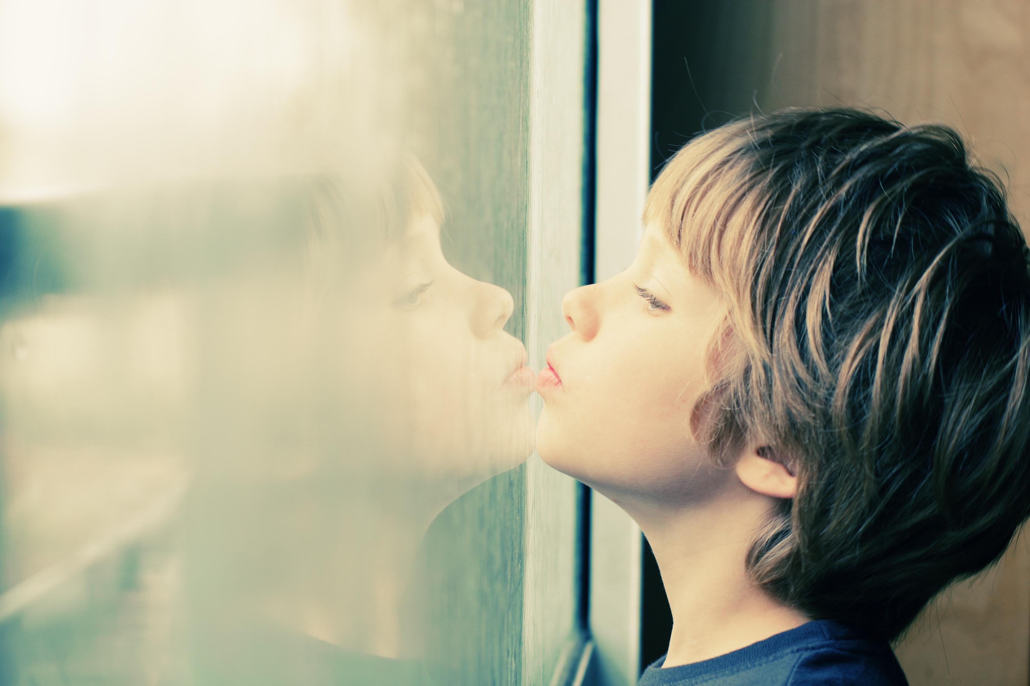 Esteja atento a estes dez sintomas de autismo