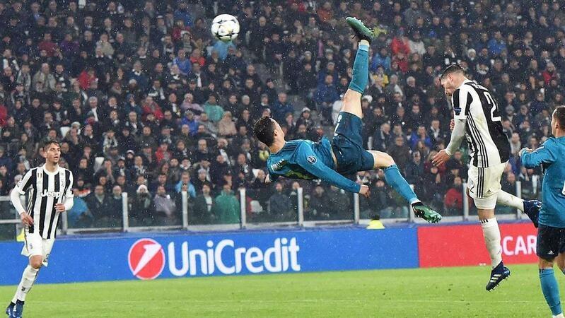 UEFA recorda o dia em que o mundo parou graças a CR7. Foi há 1 ano...